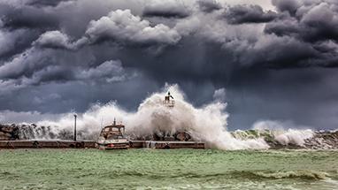 洪水挡不住监测人的脚步 全国各地生态环境监测部门全力保障监测设备运维